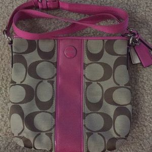 Crossbody Coach purse